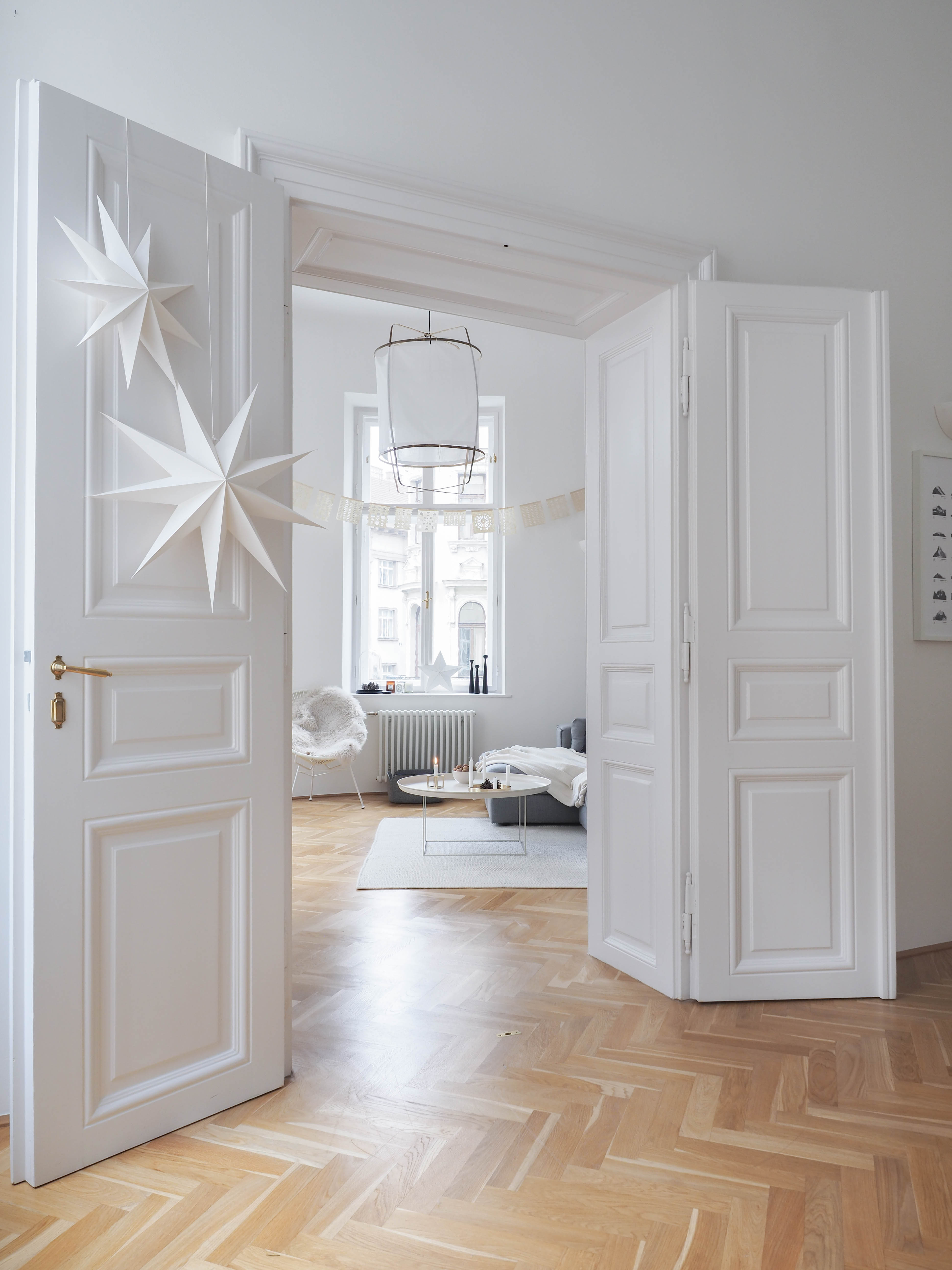 white christmas meine weihnachtsdeko im wohnzimmer traumzuhause. Black Bedroom Furniture Sets. Home Design Ideas