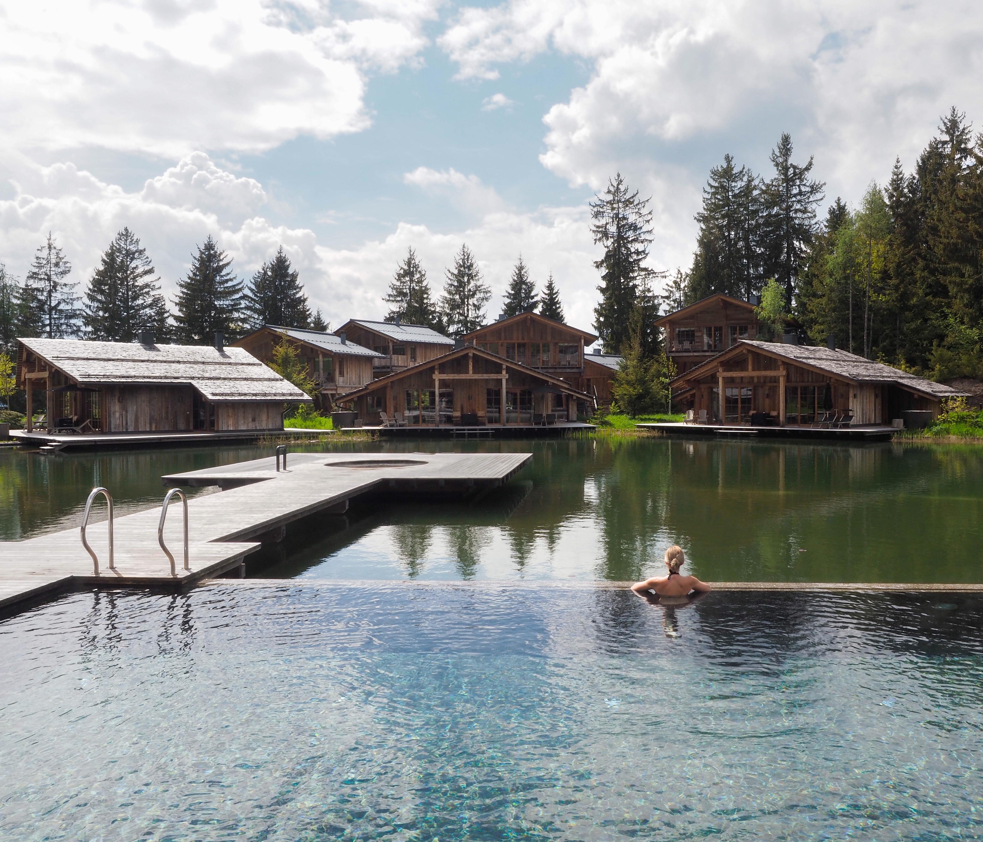 San Luis Hotel Infinity Pool Bergblick Meran Südtirol