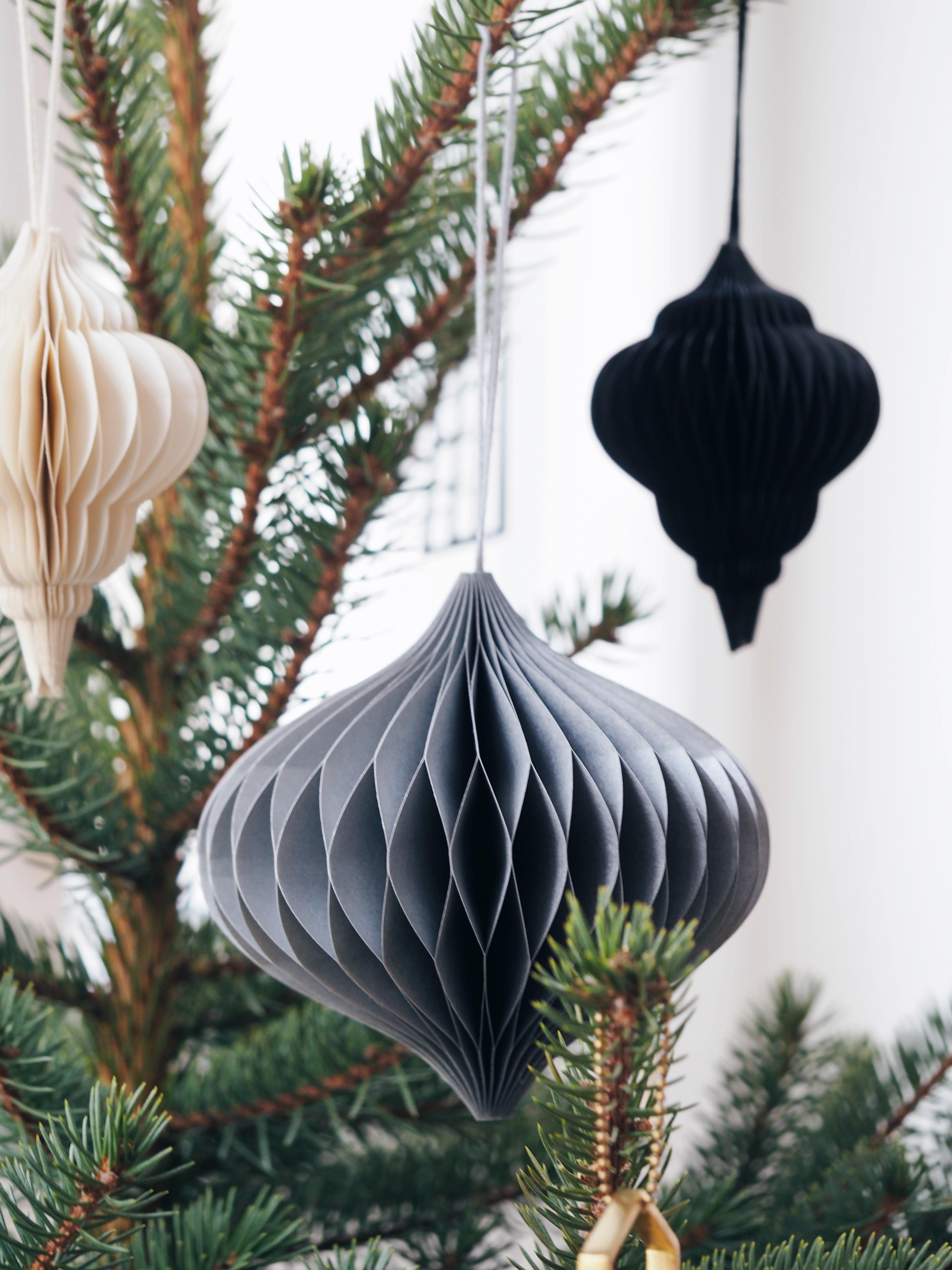 Papieranhänger Weihnachtsbaum